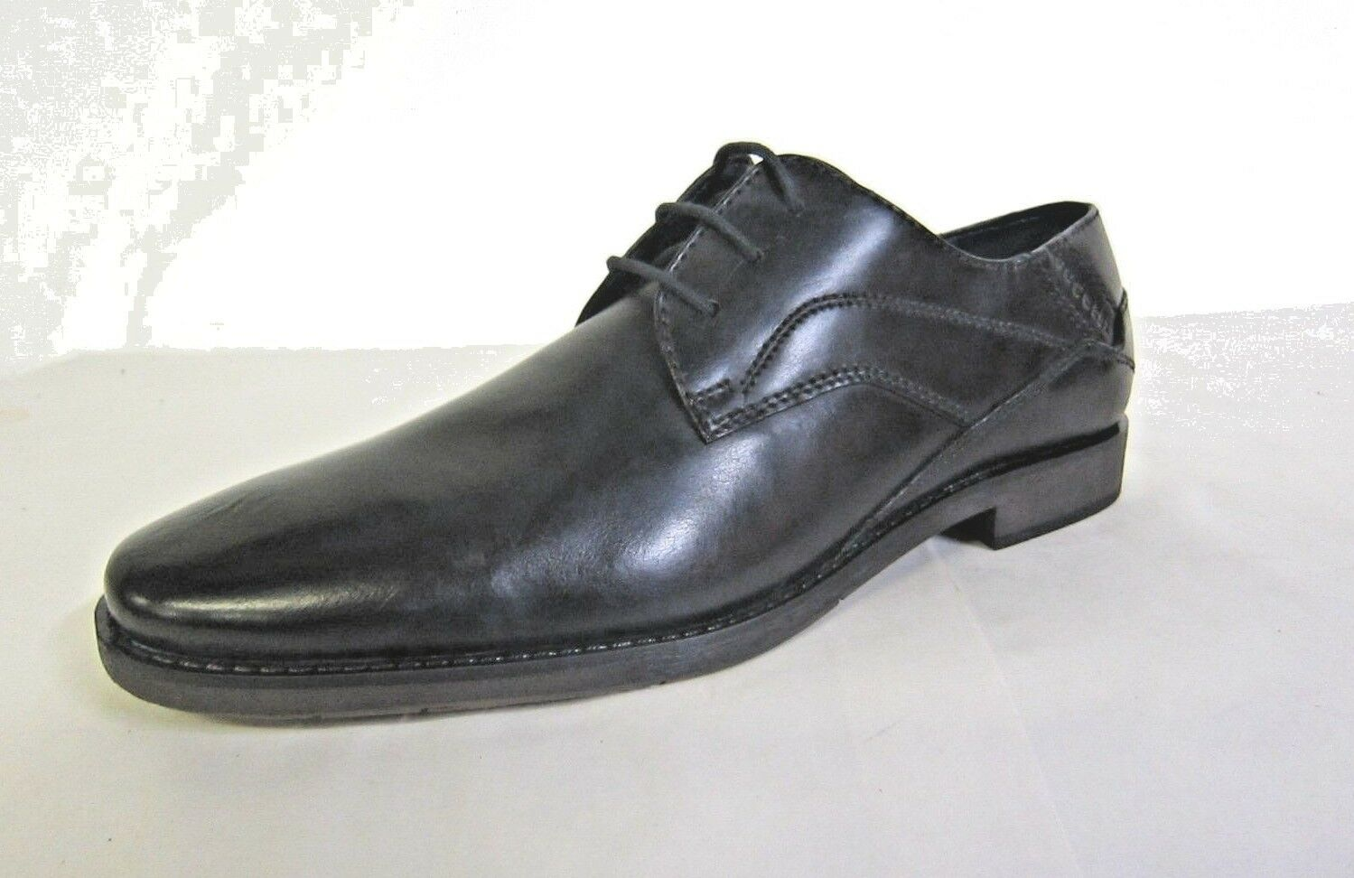 313-230031000- Mens Bugatti Formal Leather Lace Up shoes.