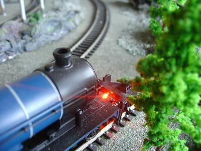 HORNBY 00 MODEL DCC TRAIN TRACK  BUFFER STOP ON TRACK 12VOLTS LED