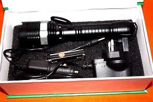 RICARICABILI-Zoomabile-CREE-XM-L-t6-LED-18650-torcia-AAA-Torcia-LED-LAMPADA-LUCE