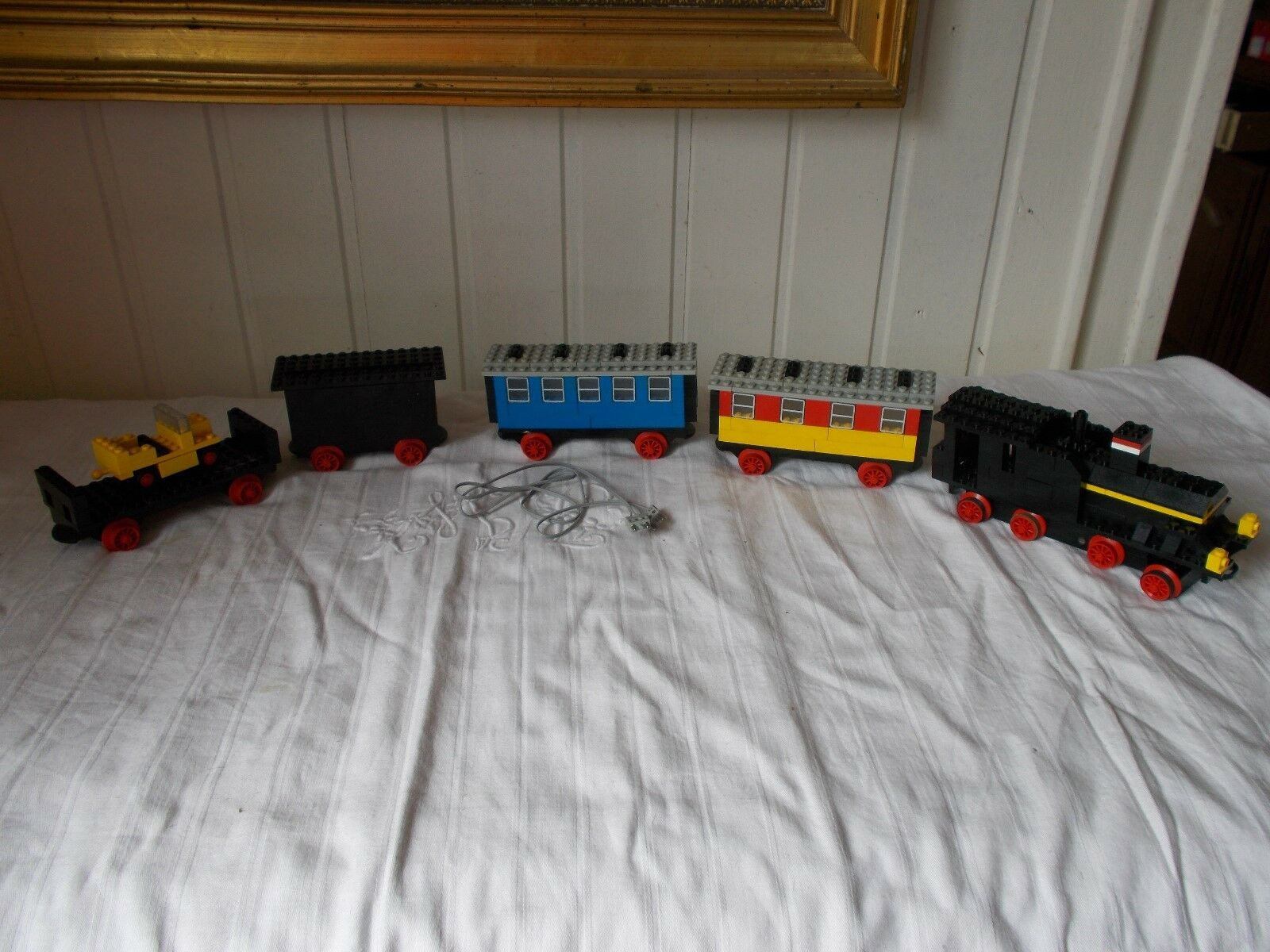 Lego system town -182 vintage train 1977 locomotive 4 cars