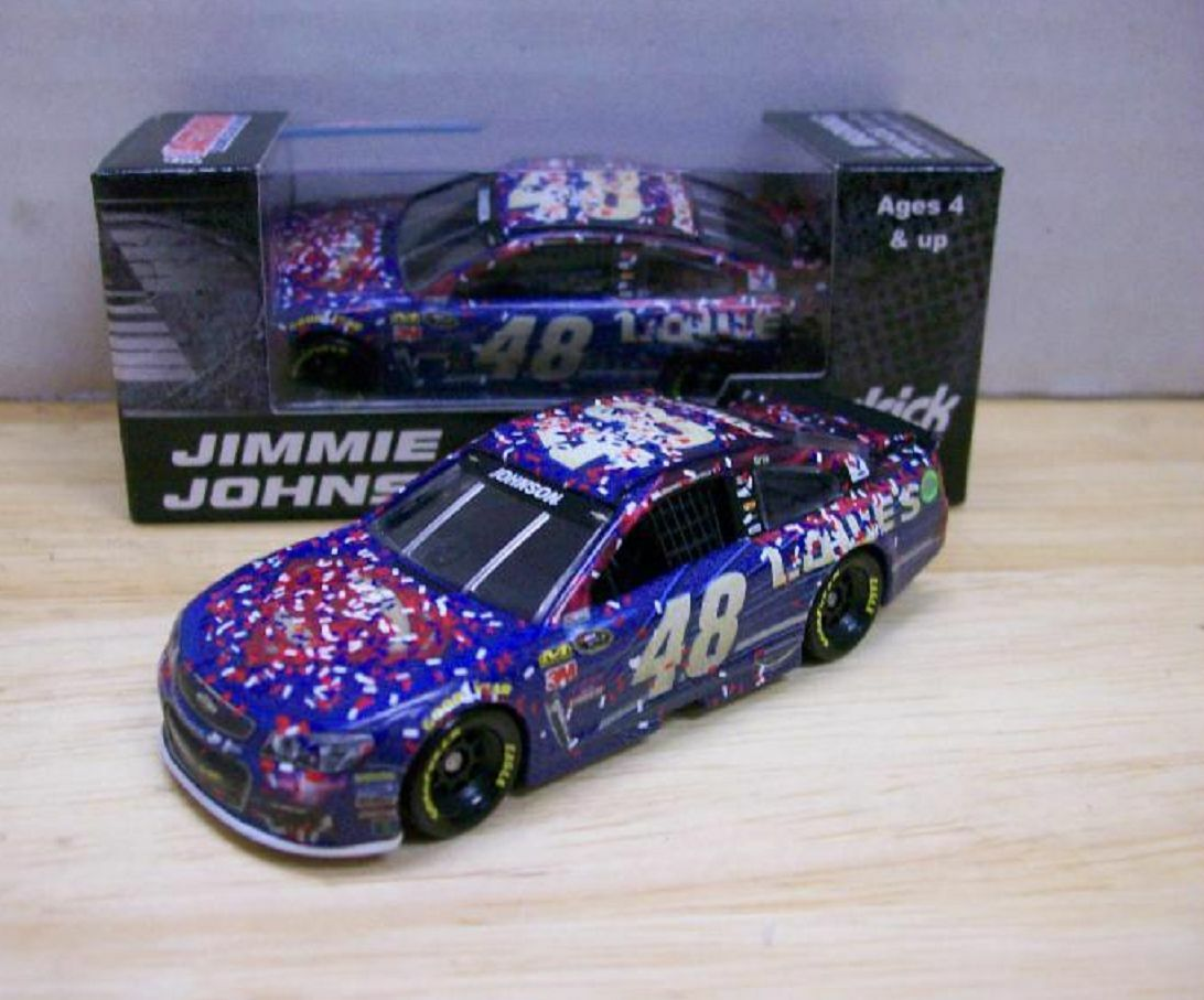 NASCAR 2016 JIMMIE JOHNSON  FONTANNA RACE WIN BATMAN VS SUPERMAN 1 64 CAR