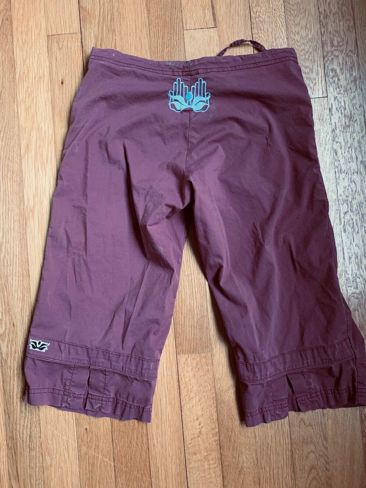 Be Present Kona Crop Yoga Pant in light Maroon w  Blau Embroidery  XXS sz 2