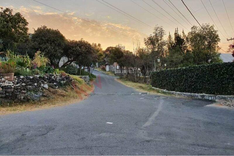Extraordinario terreno para casa o desarrollo muy barato
