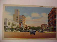 OLD LINEN POST CARD - FIFTH AVENUE SOUTH, CLINTON, IOWA - OLD CARS