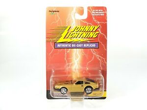 Johnny-Lightning-Authentic-Diecast-Replicas-1981-Z-Car-Gold-MOC-1999-w-Protecto