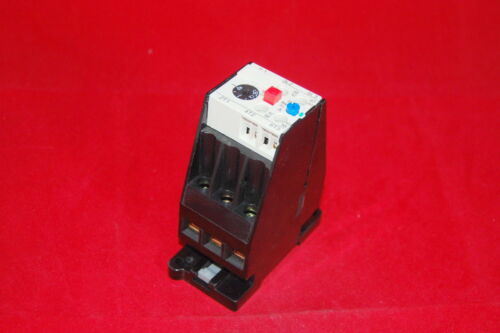 ONE NEW IN BOX FITS 3UA5900-2T THERMAL OVERLOAD Relay 40-57A