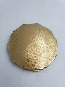 Vintage-Stratton-Mirror-Powder-Compact-Gold-Tone-Floral-Motif-Scalloped-Edge