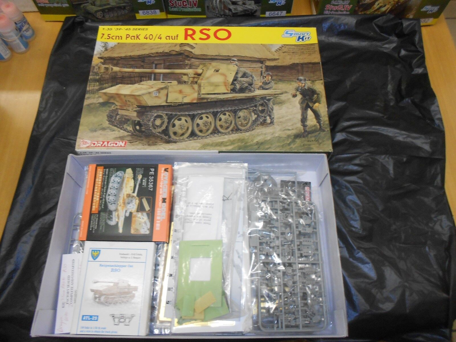 DRAGON 6640, 1 35 7.5cm PAK 40 4 RSO PLASTIC MODEL KIT WITH EXTRAS