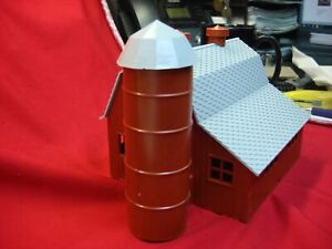 VINTAGE PLASTICVILLE 1622-100 DAIRY BARN (TUSCAN) NICE & COMPLETE WITH O.B.