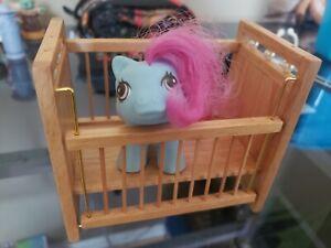 Vintage-My-Little-Pony-Newborn-baby-SHAGGY-Hasbro-1980-039-s-Blue-Bear-w-wood-crib