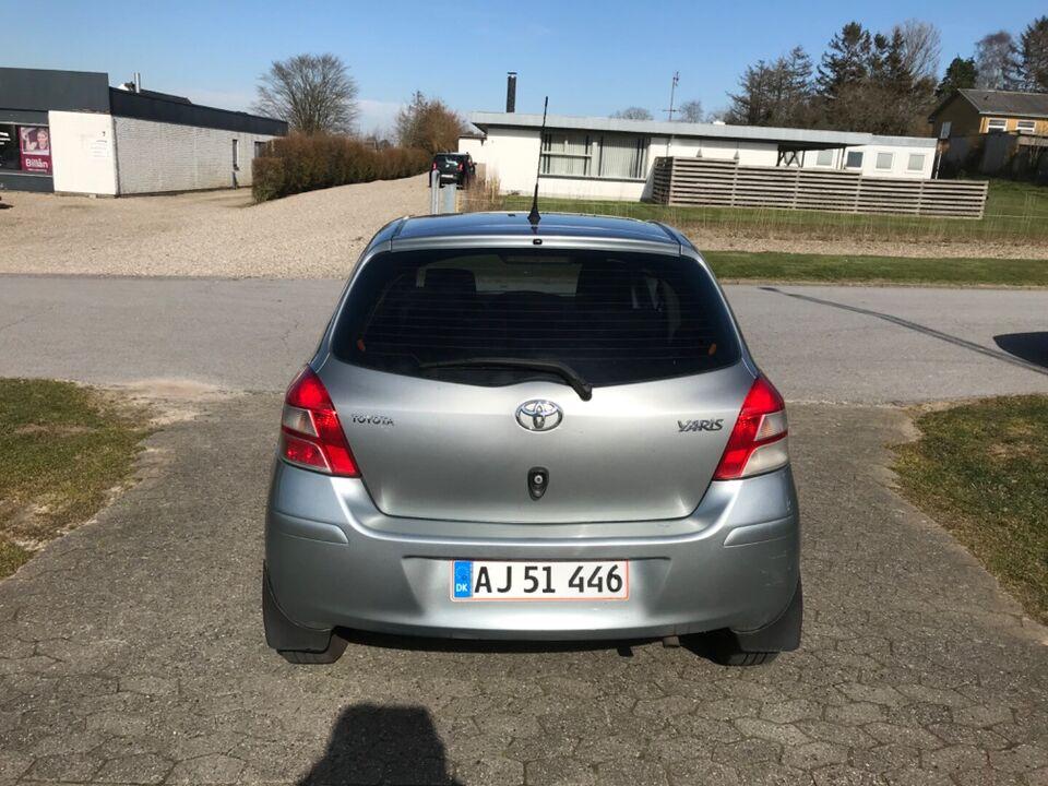 Toyota Yaris 1,4 D-4D T2 Diesel modelår 2010 km 293000 Koks