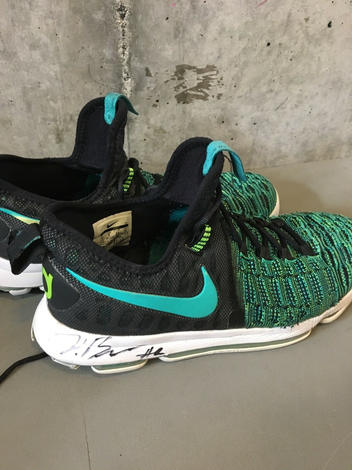 Nike Zoom KD 9 Green & Black White With Jordan Bell's Signature size 10