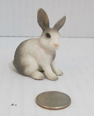 Sitting  Rabbit by Schleich//13673//Easter//bunny  SO CUTE//RETIRED