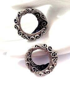 VINTAGE-TORTOLANI-SILVER-PLATED-FINISH-METALCRAFT-SCROLL-HOOP-CLIP-EARRINGS