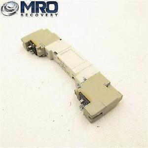 SMC-PNEUMATIC-DOUBLE-VALVE-24VDC-0-1-0-7MPA-SY5240-5DZ-02T-NEW-NO-BOX
