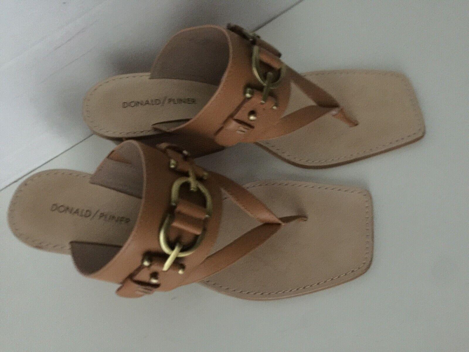 Donald Pliner Mimi Tan Marronee Thong Sandals 9.5