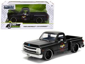 Jada 1:24 Display Just Trucks 1969 Chevrolet C10 Stepside Garage Nuts Black