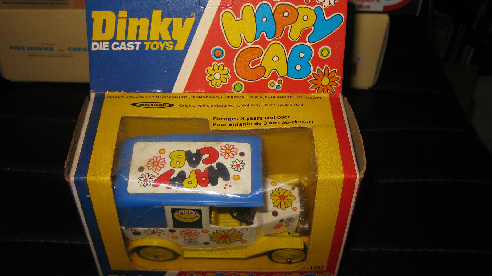 DINKY  TOYS   HAPPY CAB    MADE IN ENGLAND HARD TO FIND TOY MECCANO LTD