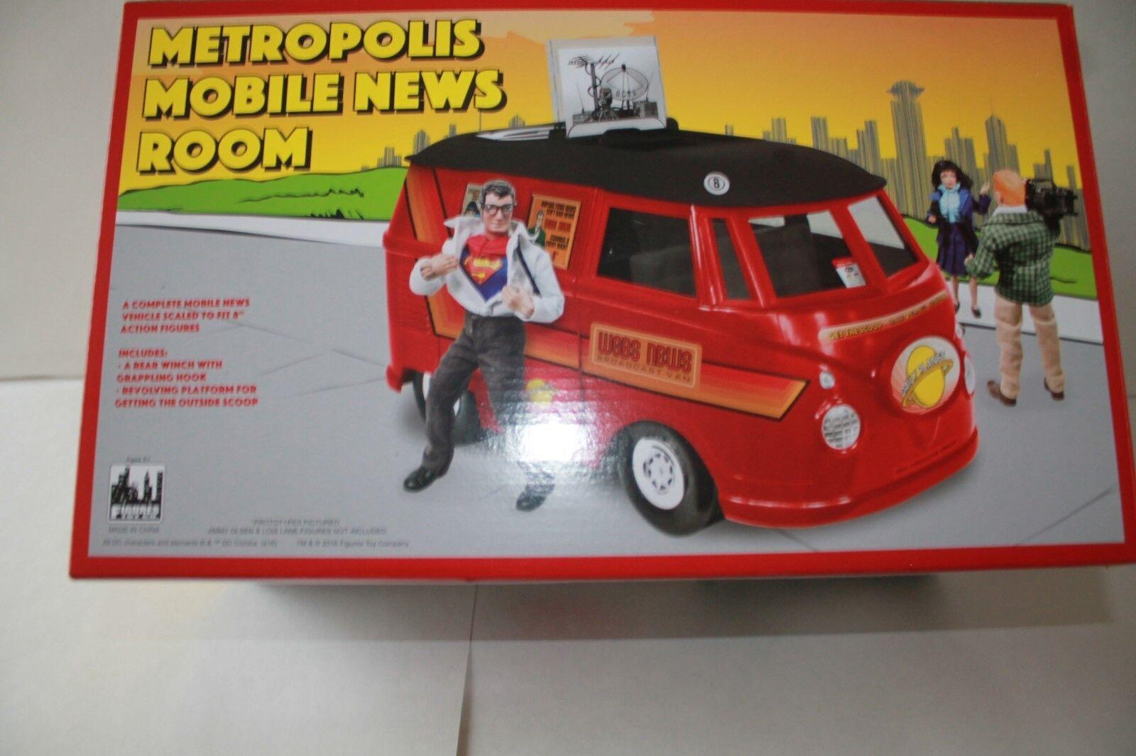 Metropolis Mobile News Room bus