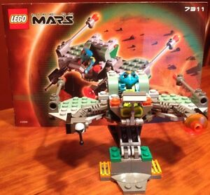 LEGO-SPACE-LIFE-ON-MARS-7311-RED-PLANET-CRUISER-COMPLETE-W-INSTRUCTIONS