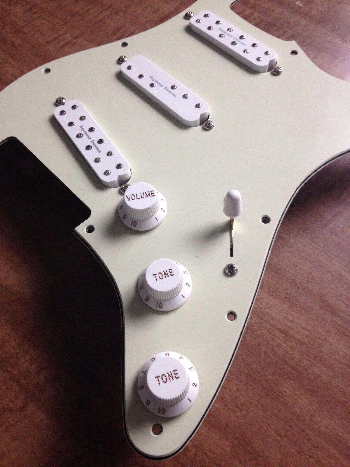 Stratocaster Pickguard Mint Grün Seymour Duncan Everything Axe Weiß Coil Split