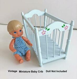 Vintage-Miniature-Wooden-Doll-Crib-Blue-5-034-Decorated-Wood-Dollhouse-Furniture