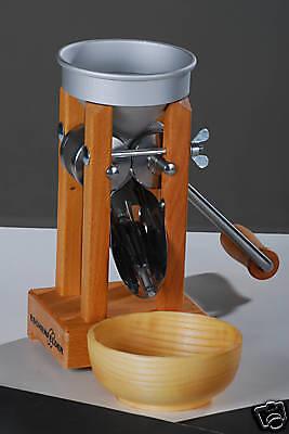 ESCHENFELDER Kornquetsche Flocker Tischmodell mit Holztrichter aus Nußbaumholz