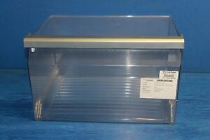 Neff-K5930D0GB-01-Frigo-insalata-nitide-cassetto-quadrato-W44-D31-H22cm