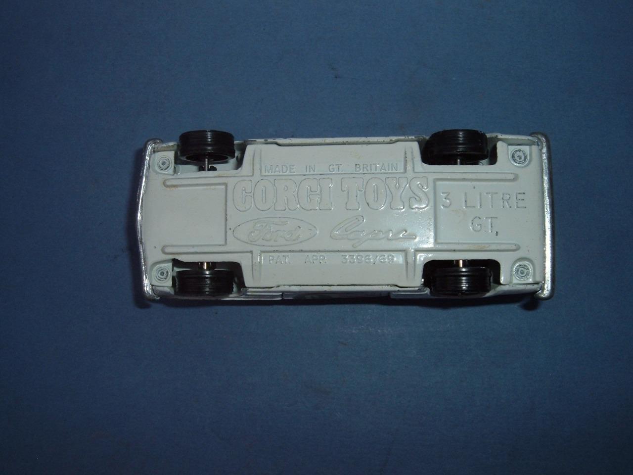 CORGI TOYS FORD CAPRI 3 3 3 LITRE V6 GT ORIGINAL 1 43 SOME MINOR PAINT LOSS 1e0679