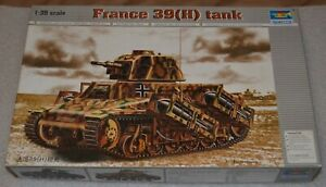 Trumpeter-00352-France-39H-TANK-1-35-Scale-SM-VJ