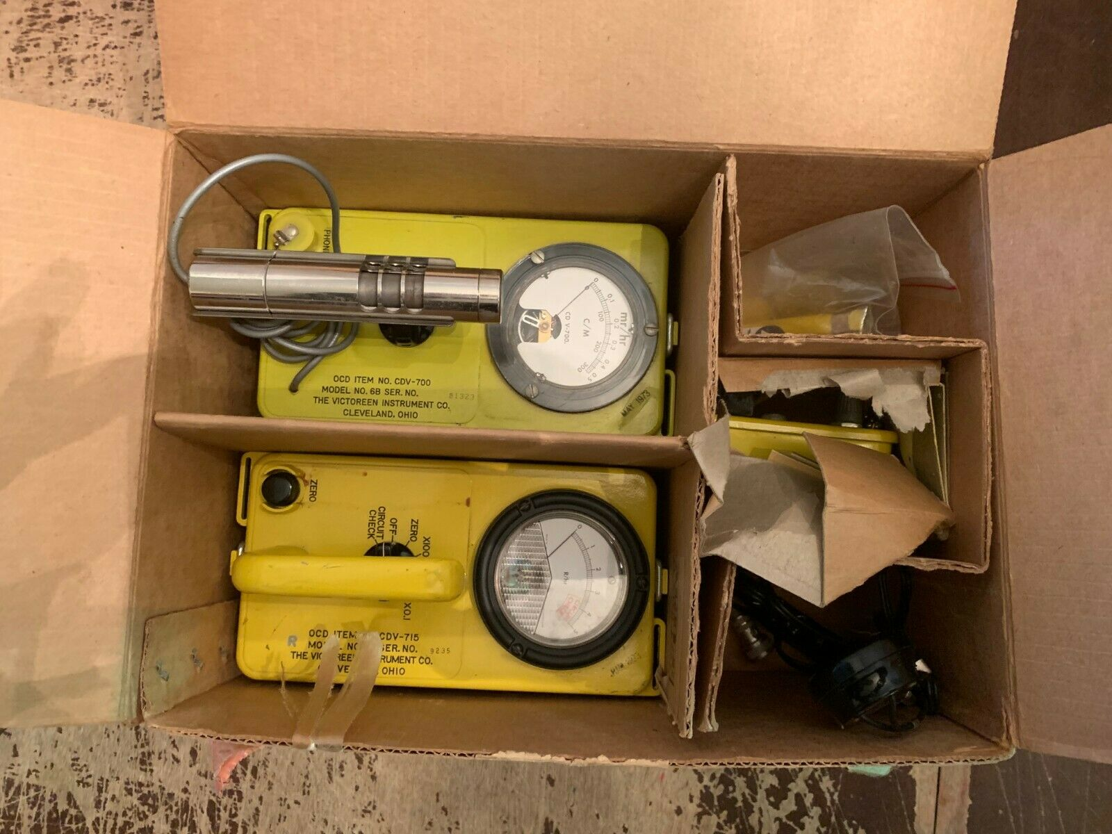 s l1600 - 1973 Civil Defense CD V-777-1 Radiation Detection Set and Original Box Geiger