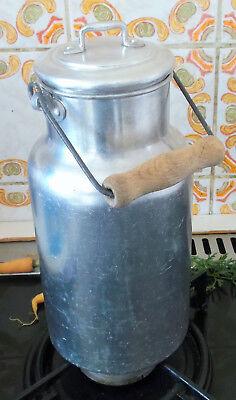 Bauer Alte Wunderschöne Saubere Rostfreie Milchkanne 1 1/2 L Rein Alu Hell Und Durchscheinend Im Aussehen
