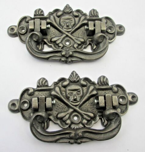 2 X CAST IRON ANTIQUE STYLE COFFIN CHEST LIFTING HANDLES SKULL /&CROSSBONES