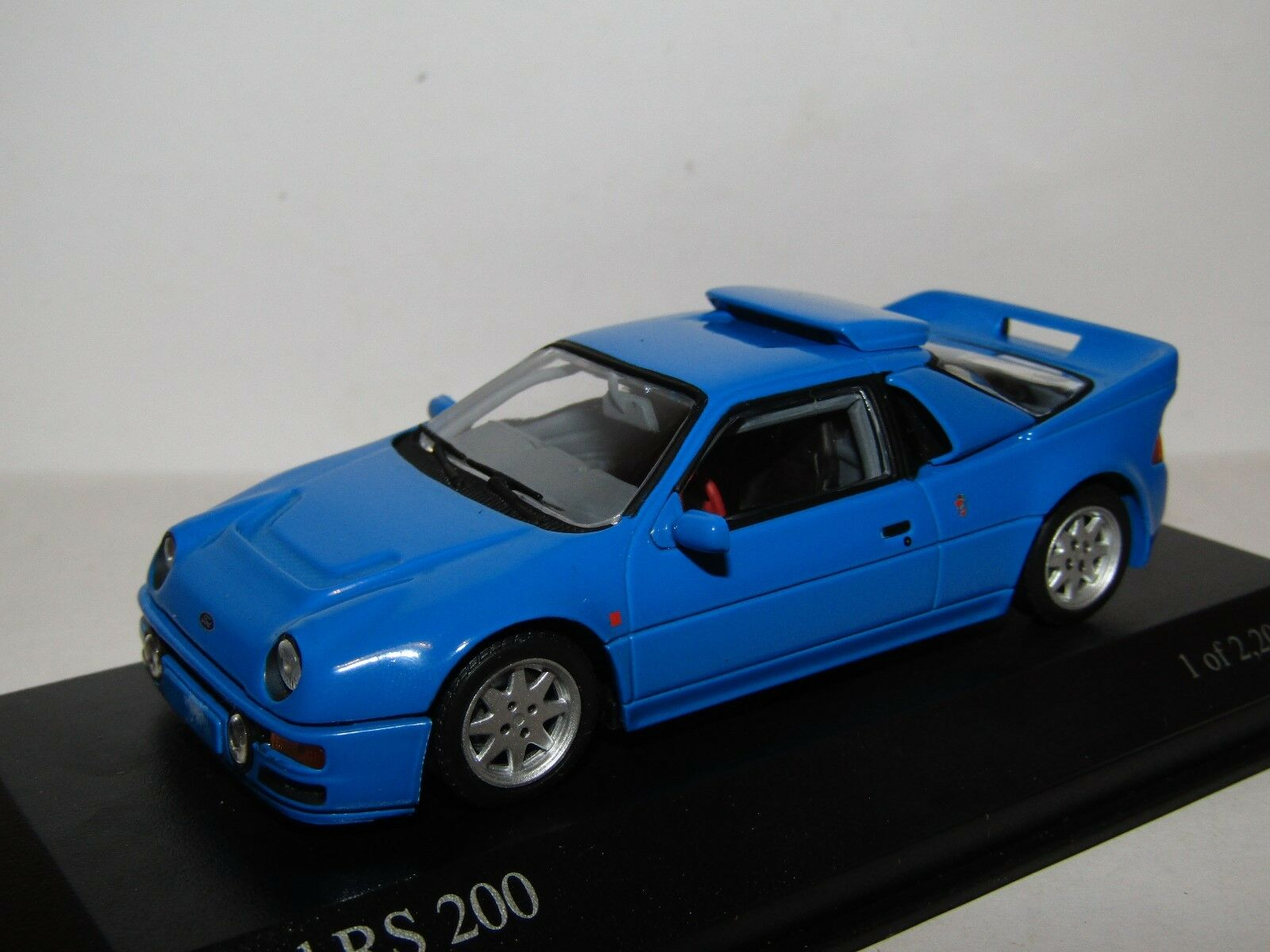 MINICHAMPS FORD RS200 1986 blueE 1 43