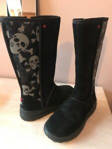 c9ba2f748ed Details about Ugg I Heart Kisses Tall Black Sequin Skulls Girl Boots US 3  New