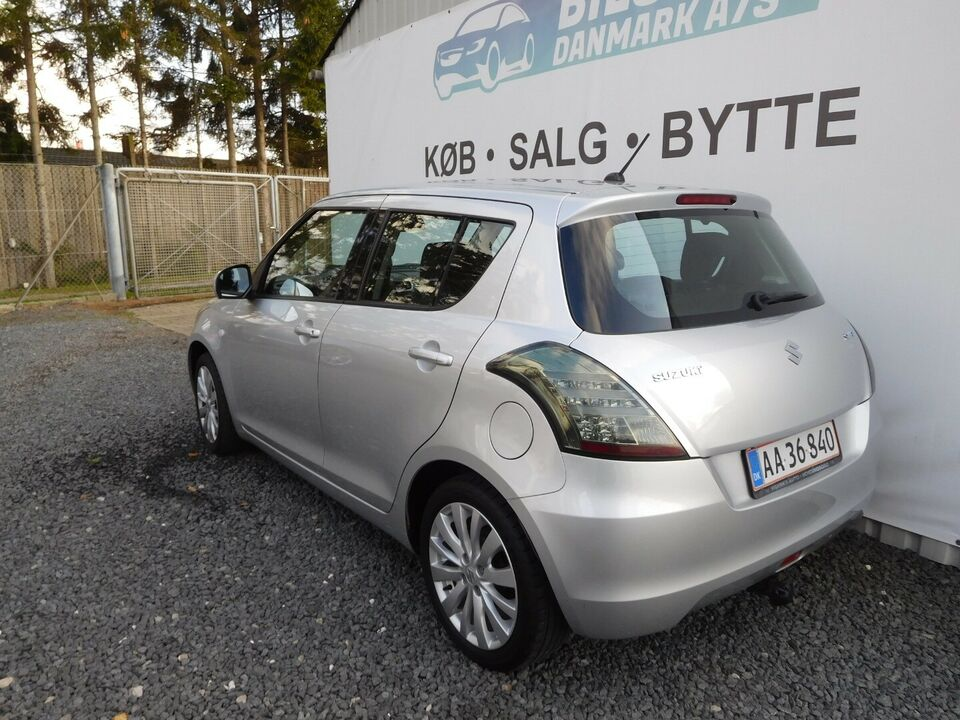 Suzuki Swift 1,2 GL ECO+ Aircon Benzin modelår 2012 km 88000