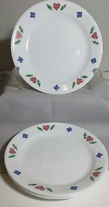 Corelle-Quilt-4-Bread-Butter-Dessert-Plates-7-25-inch-Red-Hearts-Blue-Diamonds