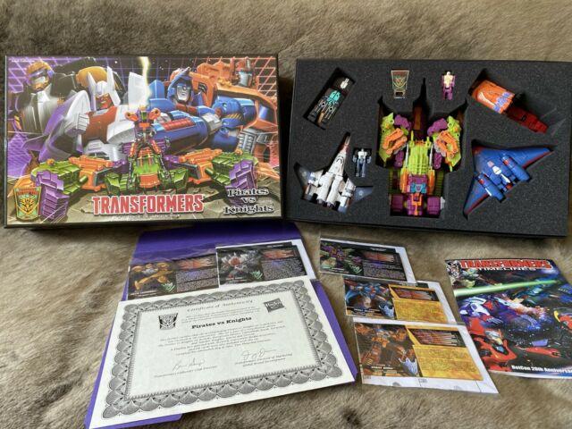 Transformers Botcon 2014 Pirates vs Knights Box set Complete