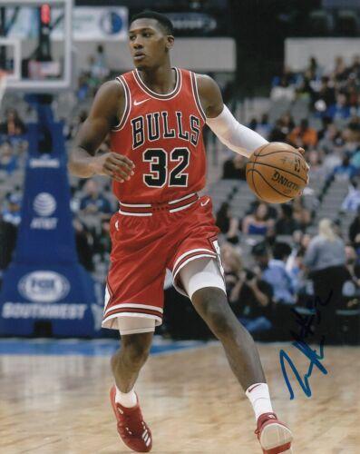 Kris Dunn Signé ( Bulls de Chicago) Dédicacé Basketball 8X10 Photo W / Coa #5