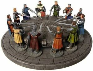 Knights of the Round Table Ornament King Arthur Holly ...