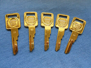 5-CADILLAC-CREST-ALLANTE-GOLD-NOS-KEY-BLANKS-1987-1988