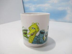 Muppets-Inc-Sesame-Street-Plastic-Mug-Cup-Grover-Big-Bird-Cookie-Oscar-Vintage