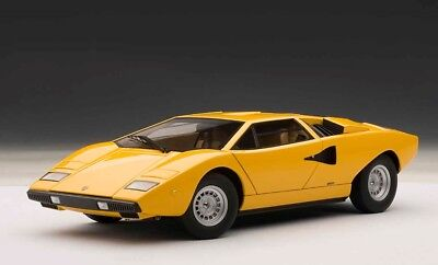 74646 AUTOart 118 Lamborghini Countach LP400 Yellow model cars  674110746464