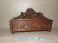 Folk Art Craft Hand Carved Wooden Box Hunt Chase away dog wild fel Black Forest