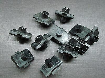 10 pcs Mopar 1963 Plymouth quarter panel /& door moulding clips NORS  6001110
