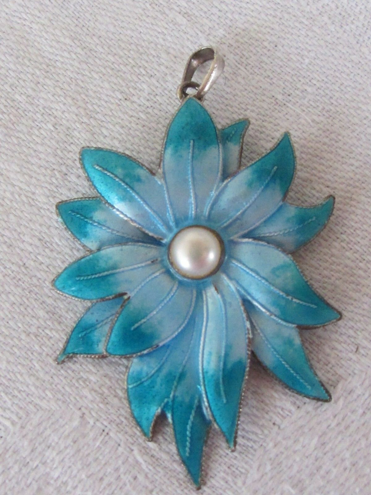 C7 Estate Vintage Ocean bluee Enamel Flower Pendant with Authentic Pearl