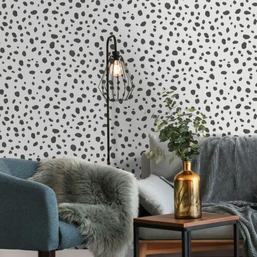 Noir et Blanc Dalmatien Point Pois Imprimé Animal Papier Peint Par Holden Decor
