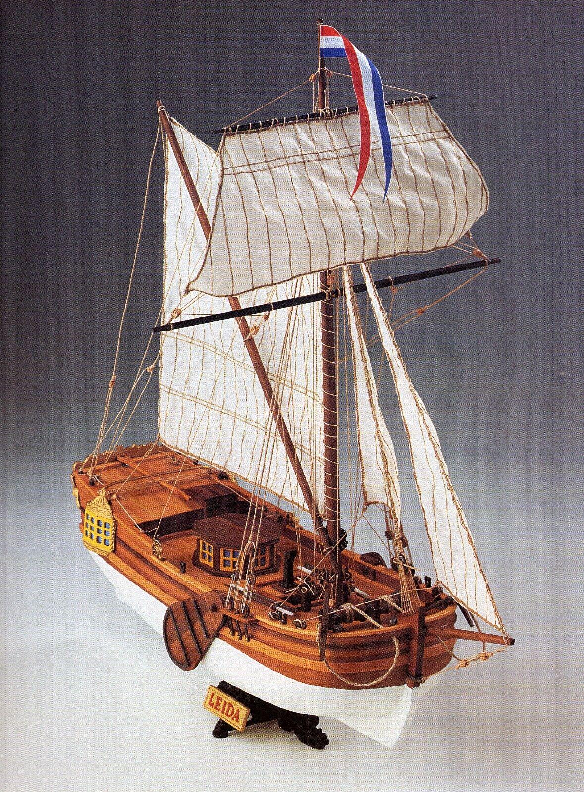 COREL SM57 BARCA Modello LEIDA Imbarcazione Nave YACHT da diporto scala 1 64