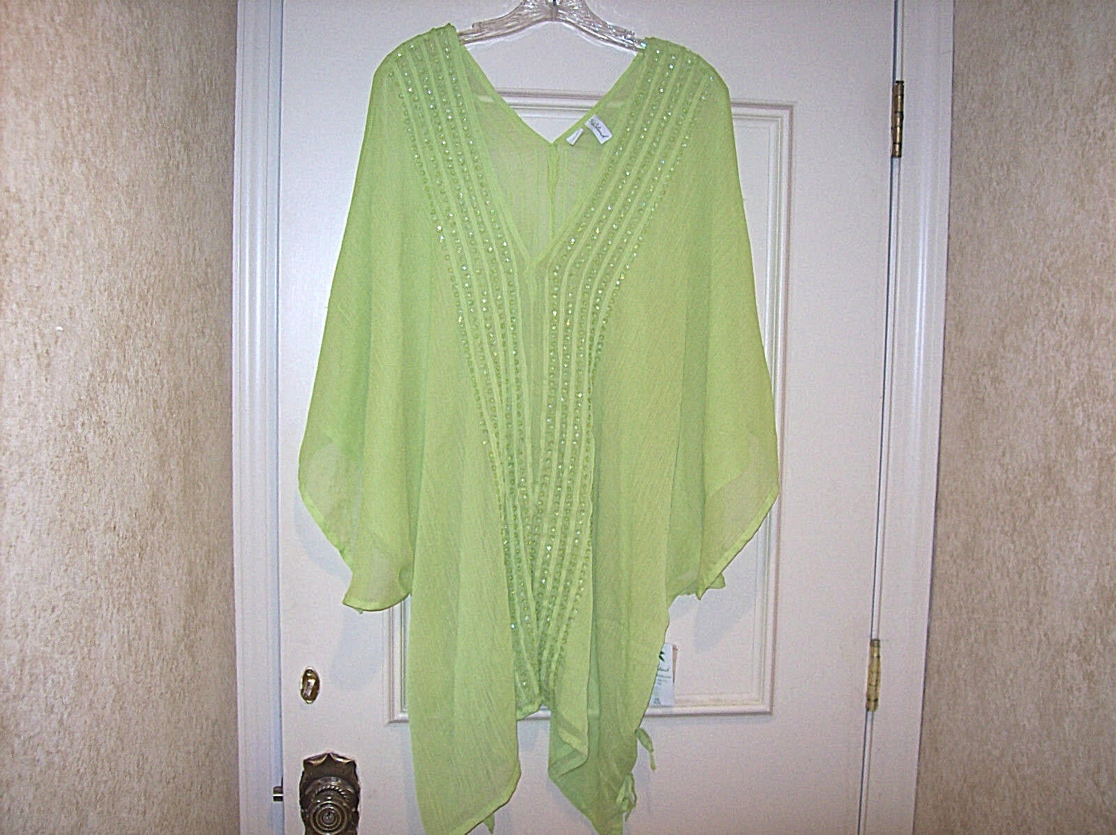 NEW LADIES SHEER APPLE GREEN CAFTAN WITH SEQUINS SIZE 1X 100% POLYESTER STUNNING