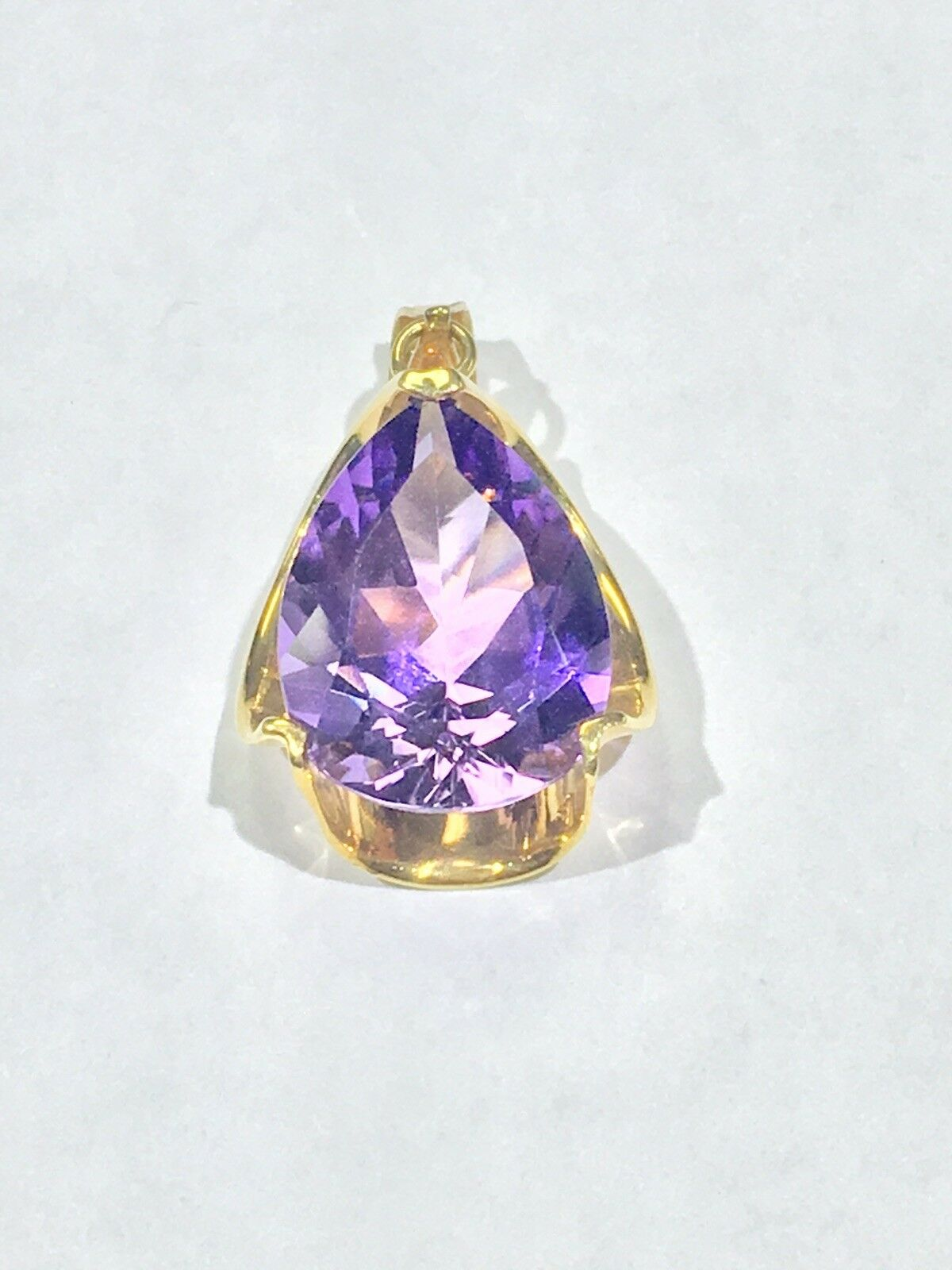14k gold Pendant With Pear Shaped Amethyst